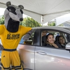 Peter the Anteater and UC Irvine staff members and students visit the Pump2Plug EV Showcase.