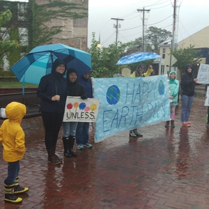 Randolph College co-sponsors Satellite March for Science on Earth Day in Lynchburg